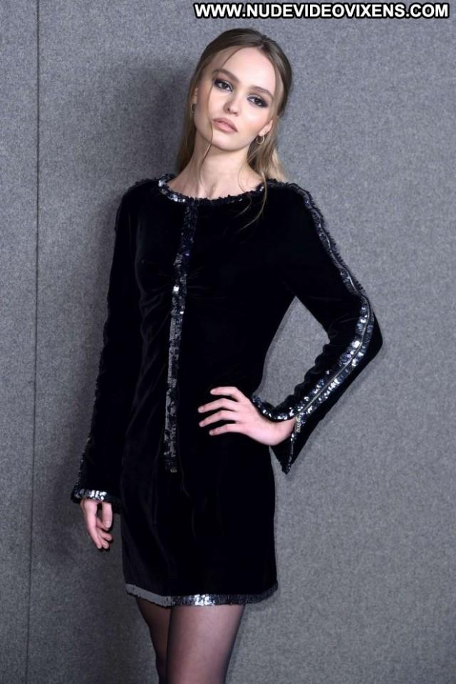 Lily Rose Depp Fashion Show  Beautiful Posing Hot Fashion Paparazzi