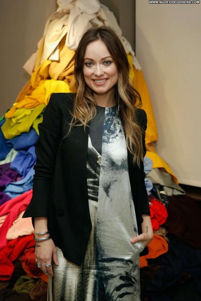 Gizele Oliveira Fashion Show Posing Hot Paparazzi Babe Celebrity