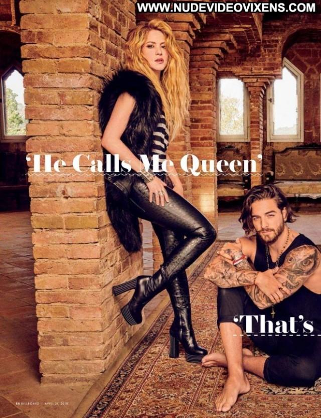 Shakira No Source  Beautiful Paparazzi Celebrity Magazine Posing Hot