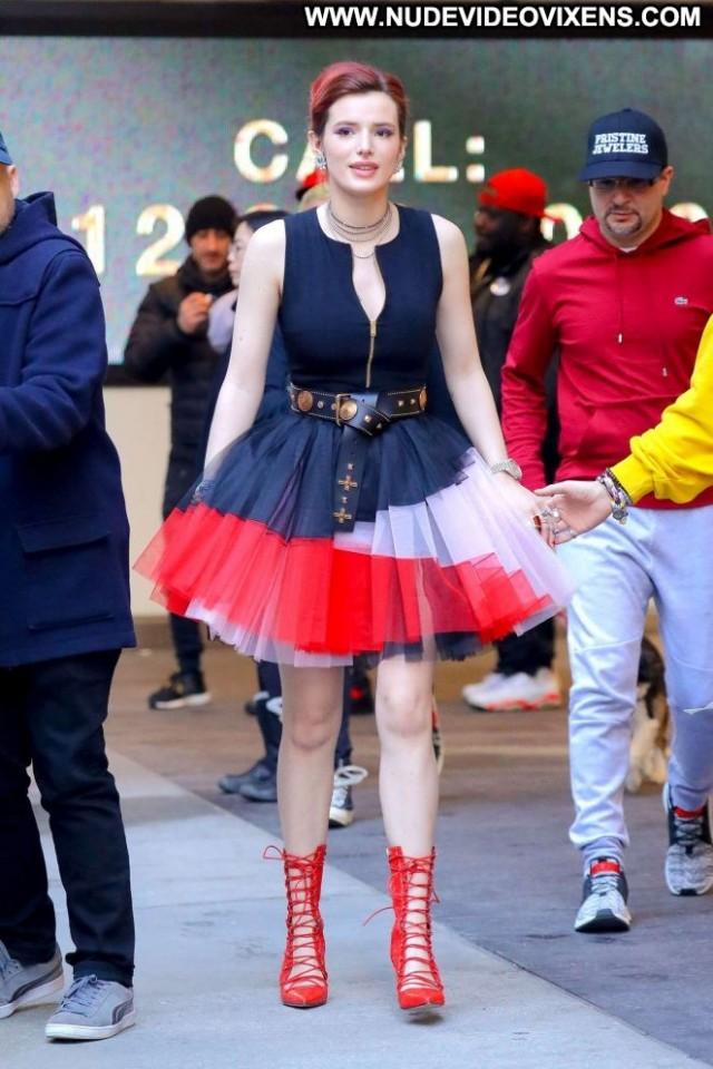 Jewel New York Paparazzi Beautiful Posing Hot New York Celebrity Babe