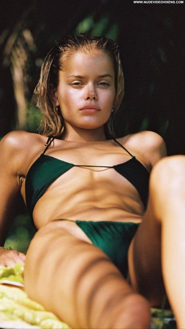 Frida Aasen Cameron Hammond Babe Beautiful Paparazzi Celebrity Posing