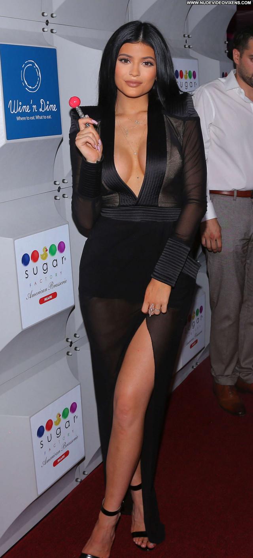 Kylie Jenner Miami Beach Paparazzi Posing Hot Babe Celebrity