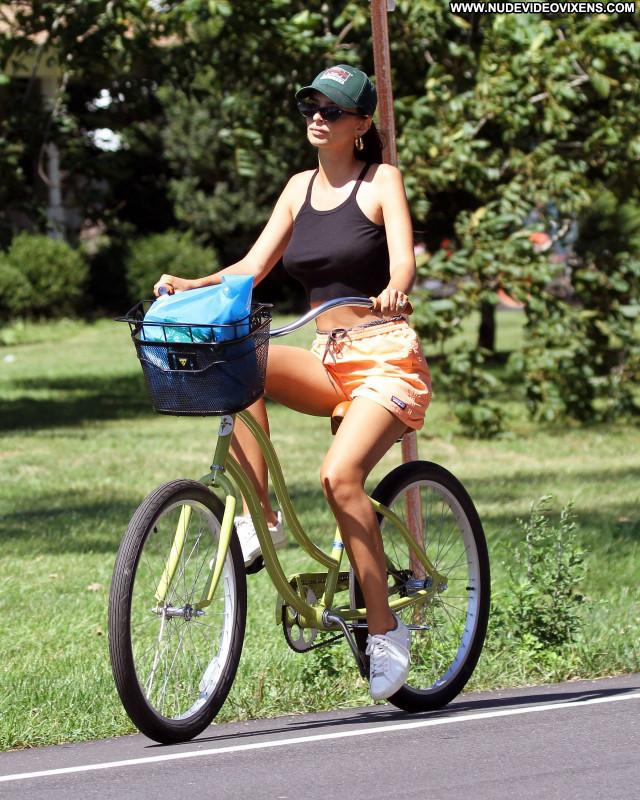 Emily Ratajkowski No Source Babe Beautiful Posing Hot Celebrity Sexy