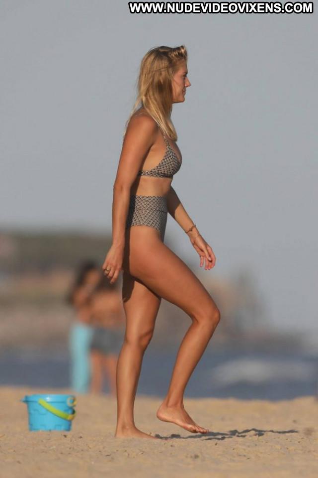 Emma Corrin No Source Babe Posing Hot Celebrity Paparazzi Beautiful