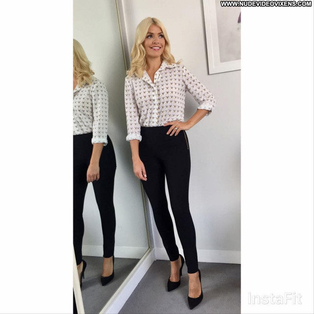 Holly Willoughby No Source Posing Hot Celebrity Babe Beautiful Sexy