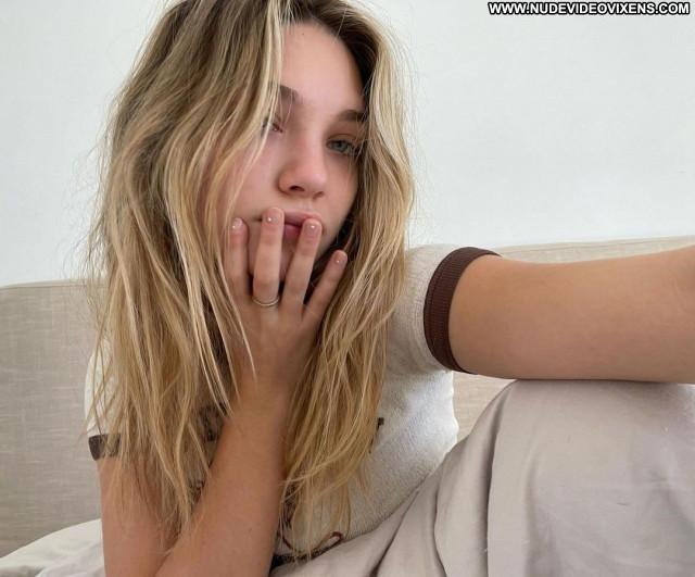 Maddie Ziegler No Source Posing Hot Babe Beautiful Celebrity Sexy