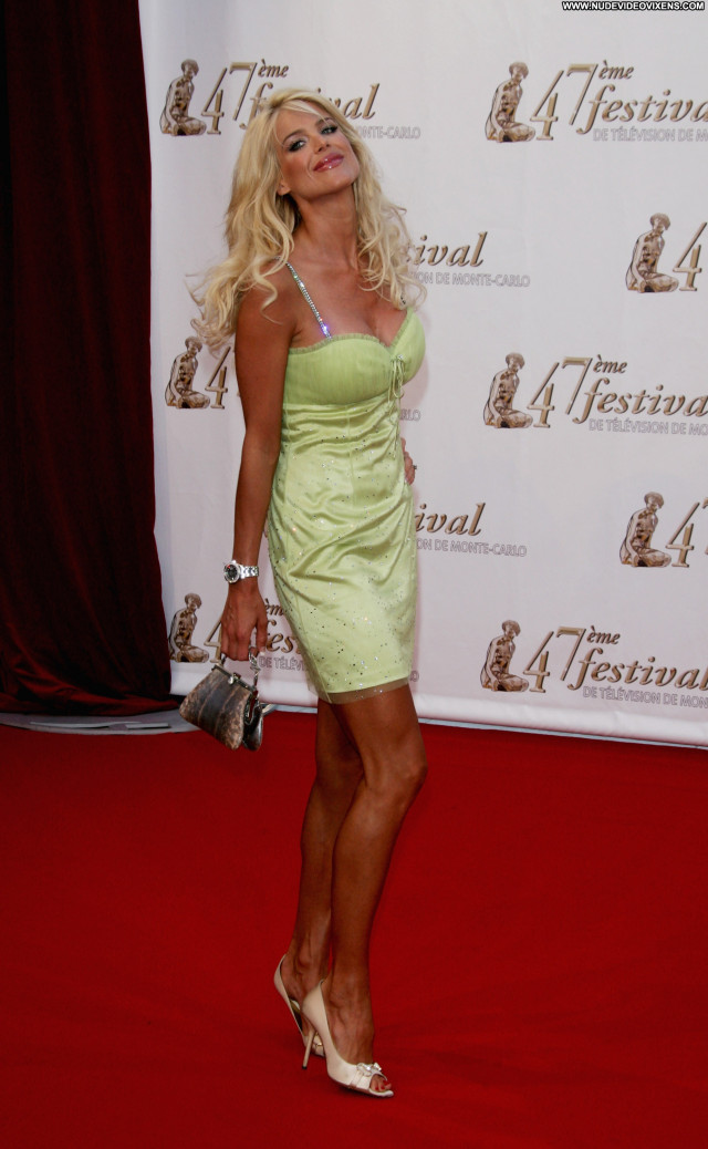 Victoria Silvstedt No Source Celebrity Beautiful Posing Hot Babe Asian
