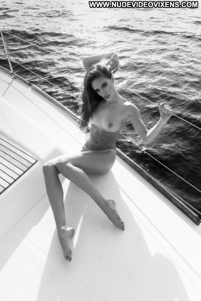 Kayla Garvin Khoa Bui Usa Babe Posing Hot Beautiful Photoshoot