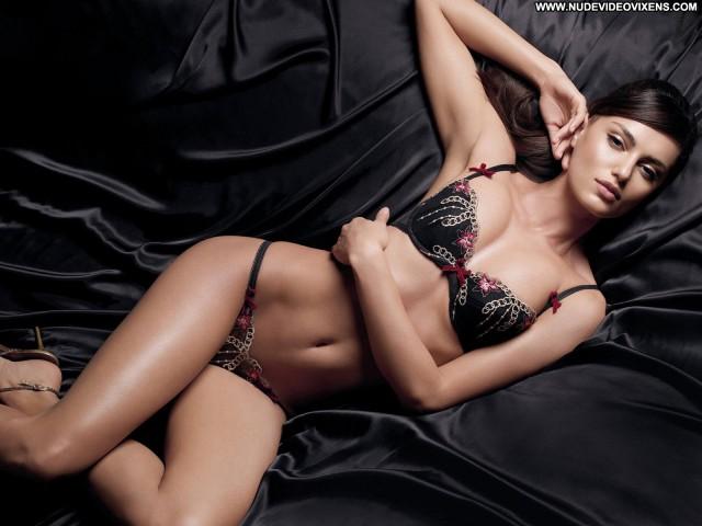 Catrinel Menghia Sports Illustrated Swimsuit Swimsuit Lingerie Posing