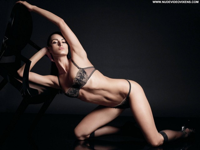 Catrinel Menghia Sports Illustrated Swimsuit Posing Hot Sports